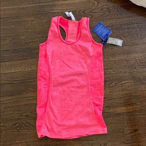 NWT. American Eagle Sports Tank Bright Pink Size M